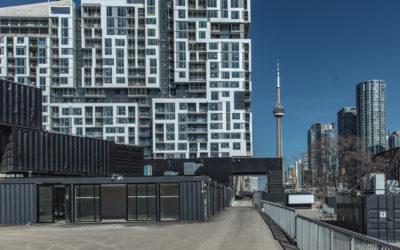 Stackt Market à Toronto – Des panneaux de chauffage radiant au plafond sont la solution parfaite à un projet innovant et artistique de réutilisation des conteneurs